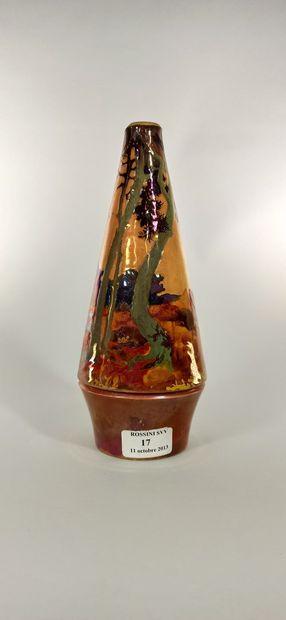 BACS Vase à décor de paysage. Céramique...