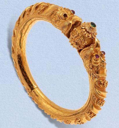 Bracelet ouvrant à charnière en or jaune...
