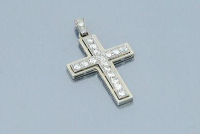 Pendentif croix en or gris 18K (750) serti...