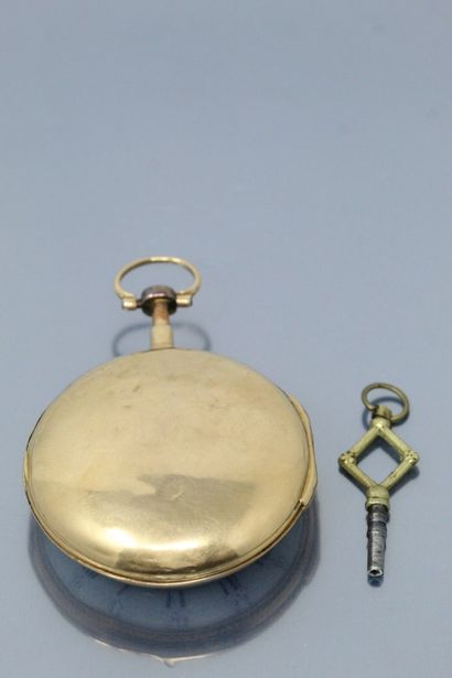 MARTIN A CAMBRAY  Montre en or. Boîtier sur charnière. Cadran émail blanc avec chiffres...
