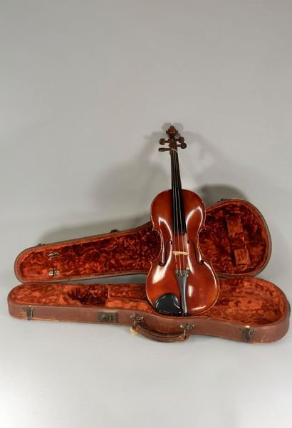 Violon fait par Amédé Dieudonné, année 1943,...