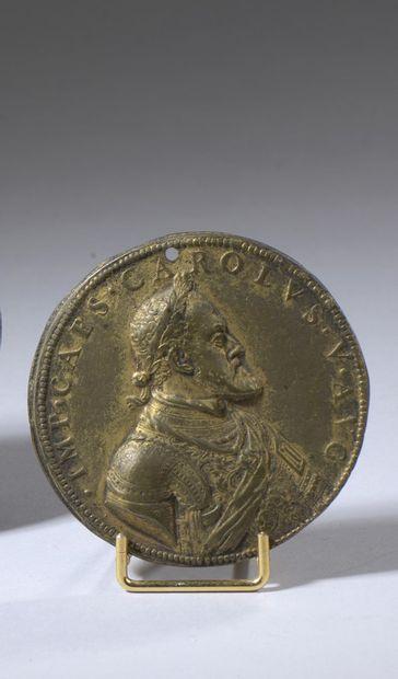 Médaille en bronze doré, Charles Quint et...