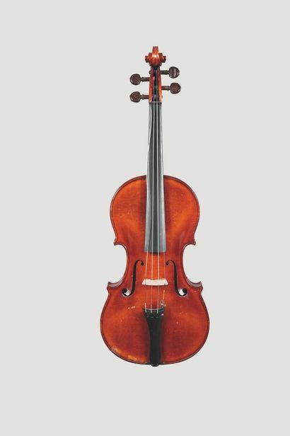 Joli violon français, fait par Jean LAVEST...