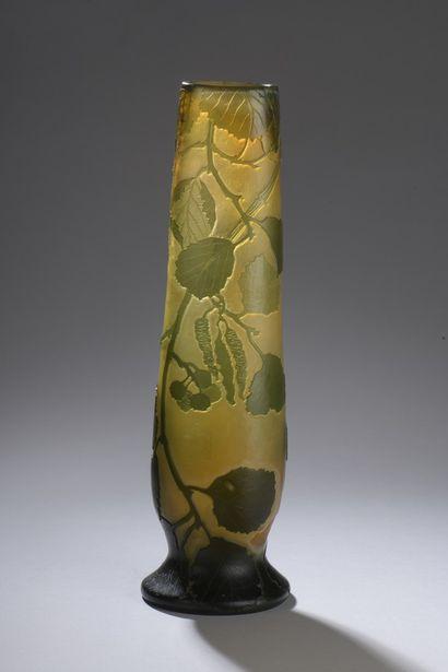 LEGRAS  Vase ovoïde à panse légèrement aplati...
