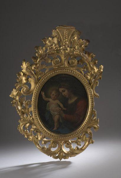DOLCI Carlo (D'après)  Florence 1616 - 1686  La Vierge à l'Enfant  Huile sur panneau...