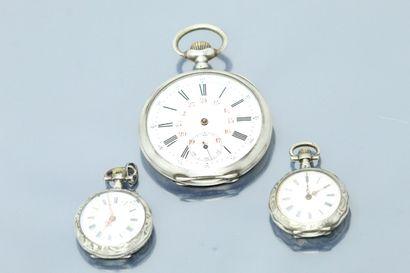 Deux montres de col et une montre de gousset,...