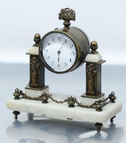 Pendulette immaculant une pendelue XVIe siècle....
