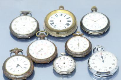 Lot de huit montres de gousset en métal argenté....