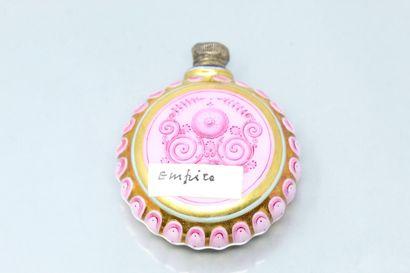 Flacon à sels en porcelaine de Paris, vers 1800.