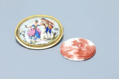 Lot de deux miniatures en porcelaine, l'une...
