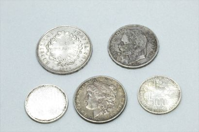Lot de pièces en argent comprenant :  - 5 francs Napoléon II tête laurée (1869 BB)...