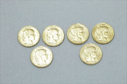 Lot de six pièces en or de 20 francs Coq. (1906 ; 1907x 3 ; 1908 ; 1913).  Poids...