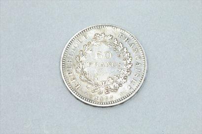 Pièce de 50 francs Hercule 1977.  Poids : 30 g.