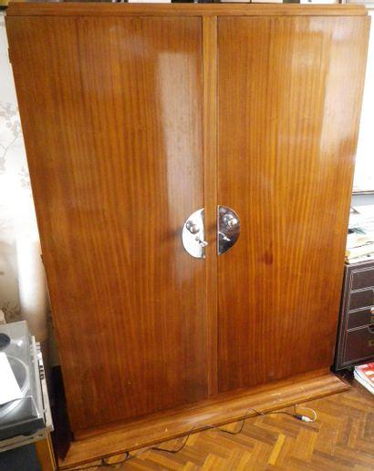Armoire de style Art Déco en bois verni...