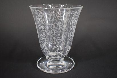 BACCARAT  Vase tulipe en cristal, modèle...
