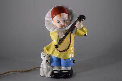 Veilleuse en porcelaine polychrome figurant...