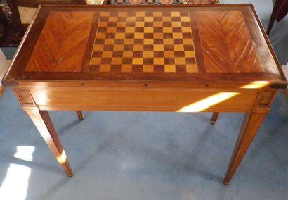 Table de backgammon, un plateau amovible...