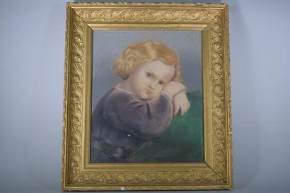 ECOLE FRANCAISE XIXe  Enfant blond boudeur,...