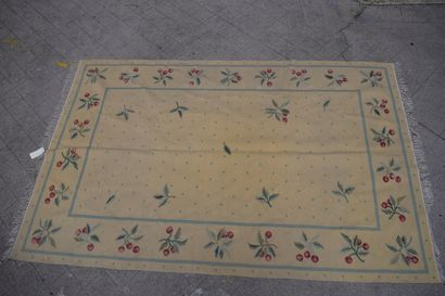Kilim carpet beige background, borders decorated with cherries. H: 289 cm - L: 190...