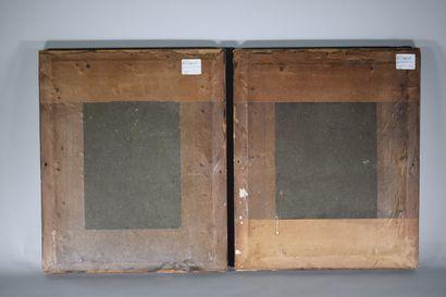 Paire de gravures figurant deux Naïades en vis à vis, découpées en rond de bosse...