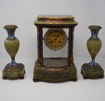 Garniture de cheminée en bronze, onyx et...