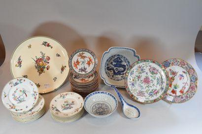 Lot de porcelaines diverses comprenant:  -...