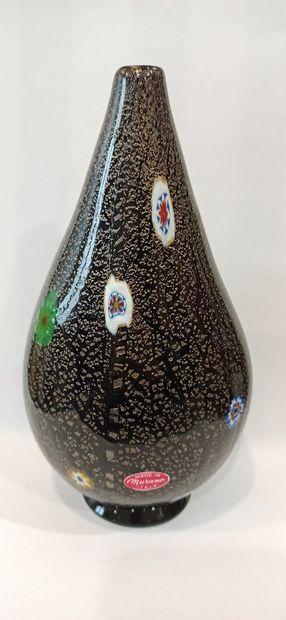 MURANO  Vase en verre à col rétréci au décor...