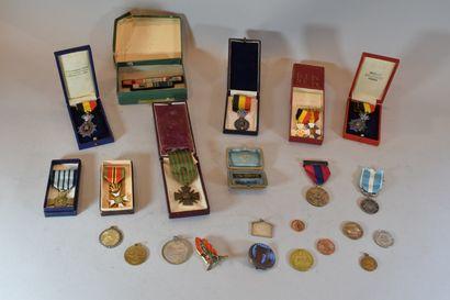 lot composé de médaille divers dont médaille...