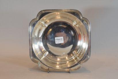 Plat creux en métal argenté  Usure    L. 23 cm