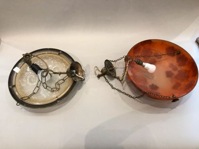 Lot including:  - A white glass hanger with roses D: 35 cm  - Orange hanging lamp...