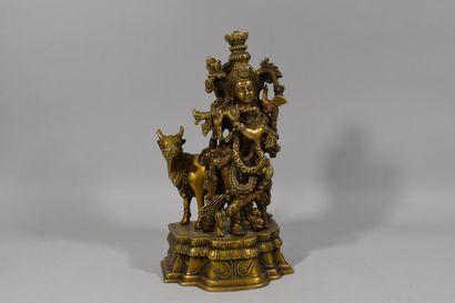 Statuette en bronze représentant une divinité...