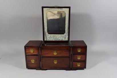 XXème siècle  Coffre à bijoux en bois exotique...