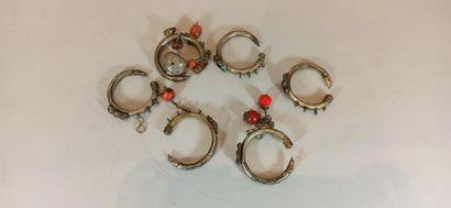MOYEN ORIENT  Lot de bijoux ethnique comprenant...
