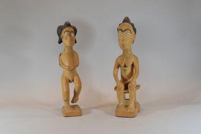 AFRIQUE, Travail moderne  Deux statuettes...