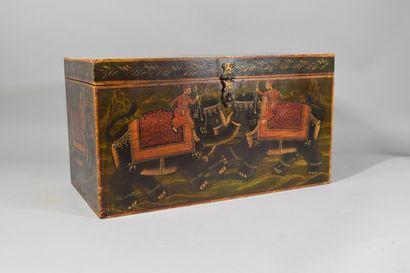 Coffre indien peint  H.: 25 cm - L.: 46 cm...