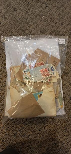 Vrac de timbres divers.