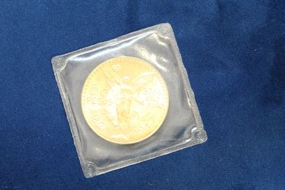 Pièce en or de 50 pesos (1947). Poids :...