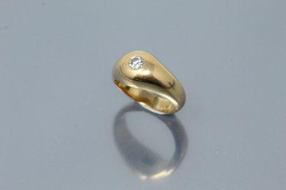Bague en or jaune 18k (750), un diamant taille...