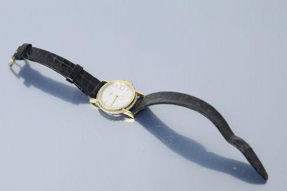 FRED  Montre bracelet de dame en métal, boîtier...