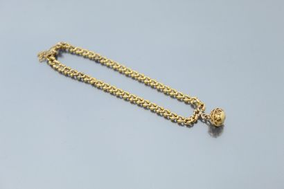 Bracelet en or jaune 18k (750) retenant une...