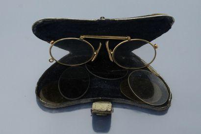 Lorgnons or jaune 18k (750)  Travail XIXe siècle  Poinçonné tête d'aigle.  Poids...