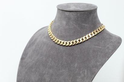 Collier ras de cou en or jaune 18k (750)...