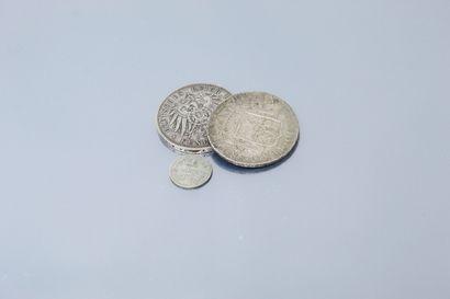 Lot de pièces en argent comprenant :  - 1...