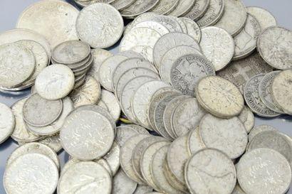 Ensemble de pièces en argent comprenant :...