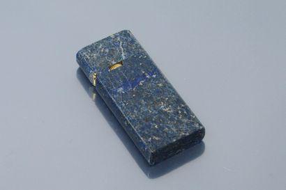Briquet en lapis lazuli et métal doré.  Dimensions...