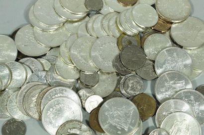 Lot de pièces en argent contenant :  - 30...