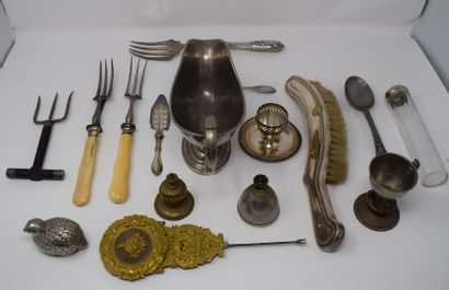 Manette  Lot de divers objets de table en...