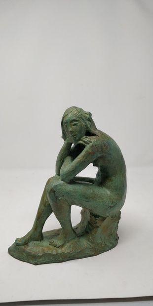 SECCHI (XX-XXIeme)  Femme assise, 83  Bronze...