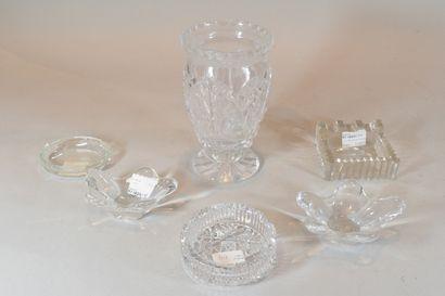 Lot de verreries comprenant un vase et cinq...