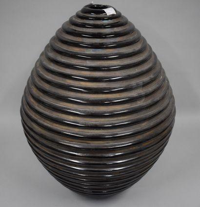 Grand vase décoratif moderne